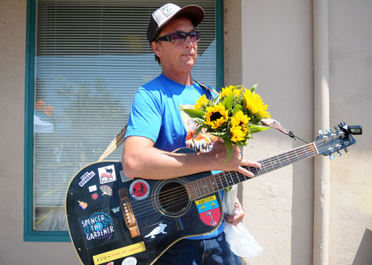 "Spencer Barnitz, aka Spencer the Gardener, says his music is ""shaped by the ocean, the rhythms of the world and pop music from my life."" (Lara Cooper / Noozhawk photo)"