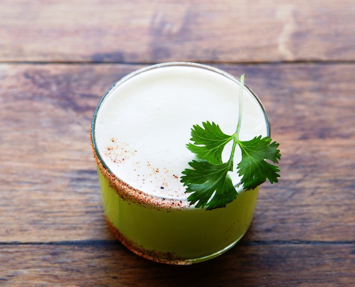 S.Y. Kitchen's El Viejo cocktail with mezcal, jalapeño, pineapple, cilantro, agave, lime and gusano powder, photo by David Zepeda.