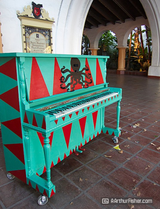 Pianos on State, photo by Art Fisher.